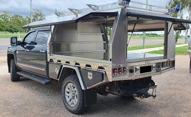 Rear-door-in-canopy