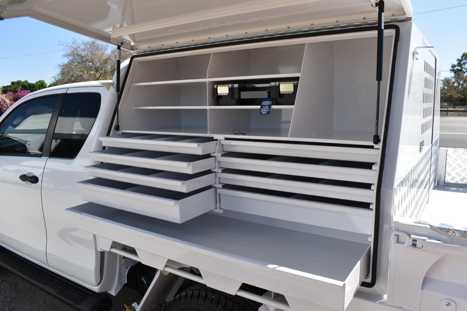 Tradesman-box-with-custom-drawer-setup