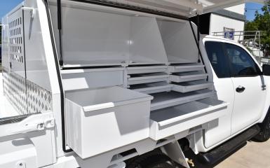 Tradesman-box-with-custom-drawers